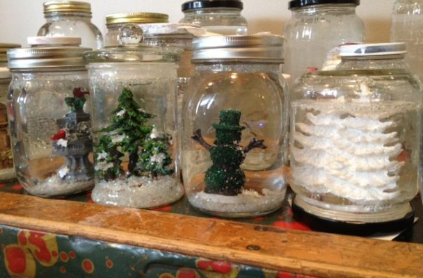 easy-and-beautiful-diy-snowglobes-at-idontblog