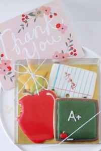 Win this gorgeous, delicious set of teacher-themed cookies by Cocoa Lane Sweeterie in the Ultimate Teacher Gift Guide Giveaway at IDontBlog.ca!