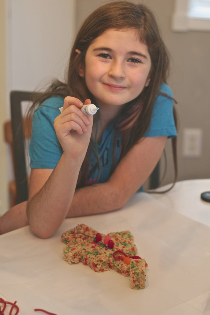 Share your Rice Krispies treat and give a less fortunate child a toy this holiday season with #TreatsForToys