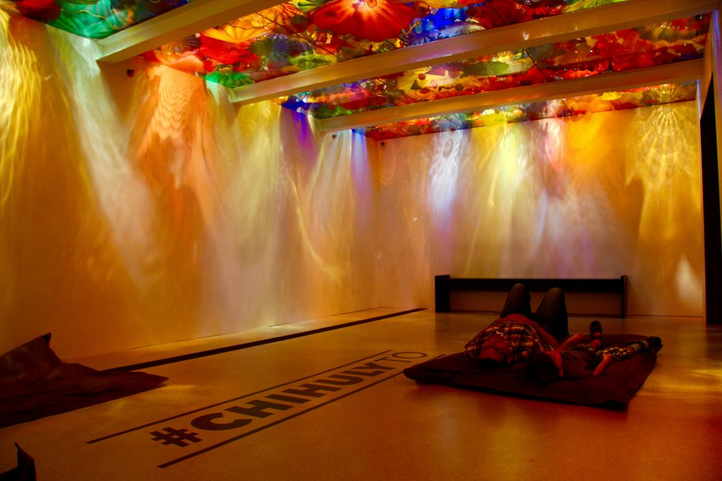 win-tickets-to-the-chihuly-exhibit-at-the-rom